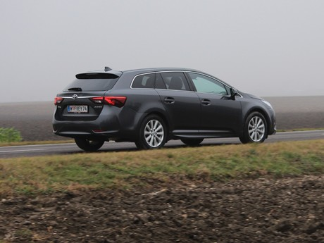 Toyota avensis touring sports 2 0 d 4d active plus testbericht 013