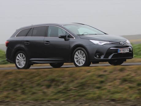 Toyota avensis touring sports 2 0 d 4d active plus testbericht 024
