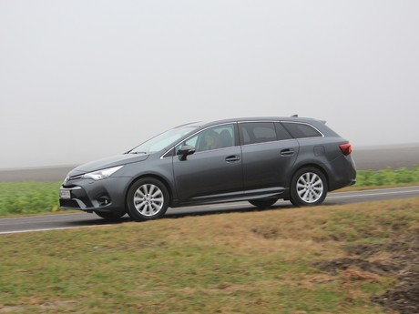 Toyota avensis touring sports 2 0 d 4d active plus testbericht 030