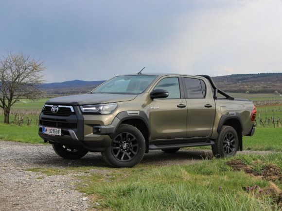 Toyota Hilux 2,8D-4D DC 4WD Invincible AT – Testbericht