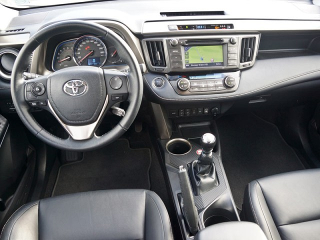 toyota rav4 2 2 4wd executive testbericht auto motor. Black Bedroom Furniture Sets. Home Design Ideas