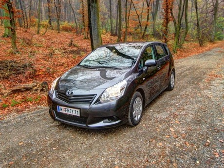Toyota verso 2 0 d 4d 125 young testbericht 001