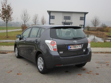 Toyota verso 2 0 d 4d 125 young testbericht 021