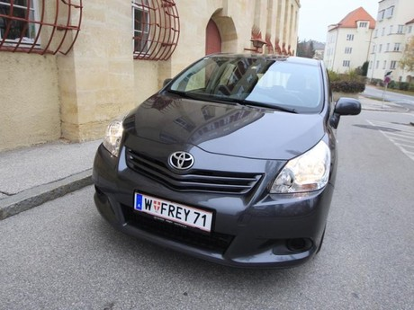 Toyota verso 2 0 d 4d 125 young testbericht 023