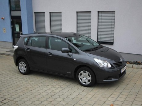 Toyota verso 2 0 d 4d 125 young testbericht 026