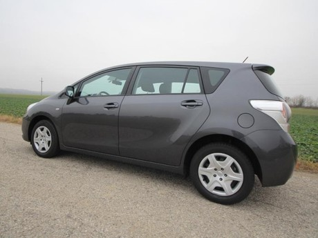 Toyota verso 2 0 d 4d 125 young testbericht 029