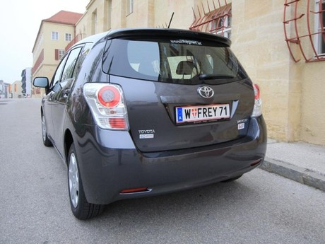 Toyota verso 2 0 d 4d 125 young testbericht 037