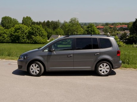 vw touran sport sitze autos post. Black Bedroom Furniture Sets. Home Design Ideas
