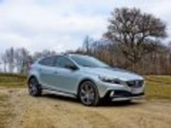 Volvo V40 Cross Country - 47 Fotos
