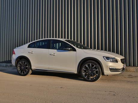 Volvo s60 cross country d4 awd at summum testbericht 010