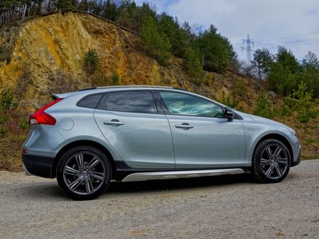 Volvo v40 cross country t5 awd geartronic testbericht 039