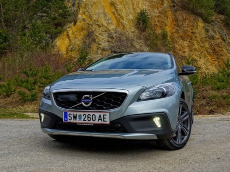 Volvo v40 cross country t5 awd geartronic testbericht 040