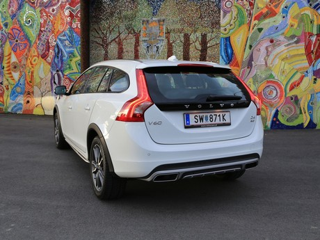 Volvo v60 cross country d4 awd geartronic kinetic testbericht 012
