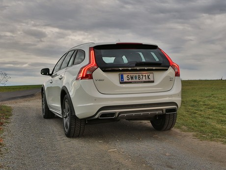 Volvo v60 cross country d4 awd geartronic kinetic testbericht 015