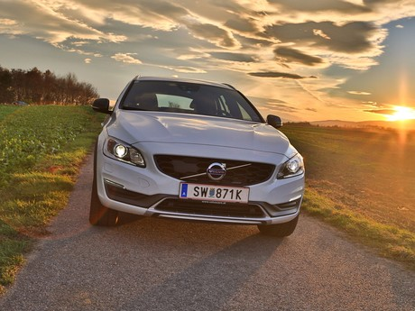 Volvo v60 cross country d4 awd geartronic kinetic testbericht 023