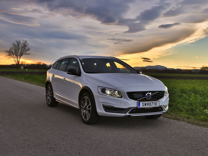 Volvo v60 cross country d4 awd geartronic kinetic testbericht 026