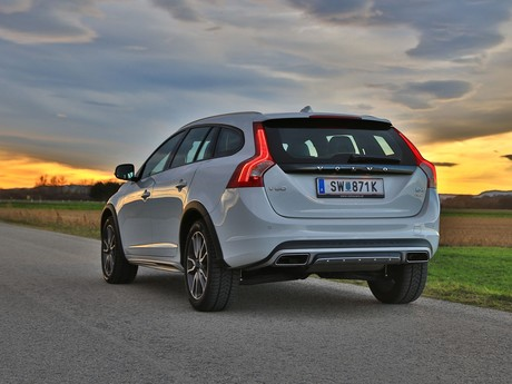 Volvo v60 cross country d4 awd geartronic kinetic testbericht 032