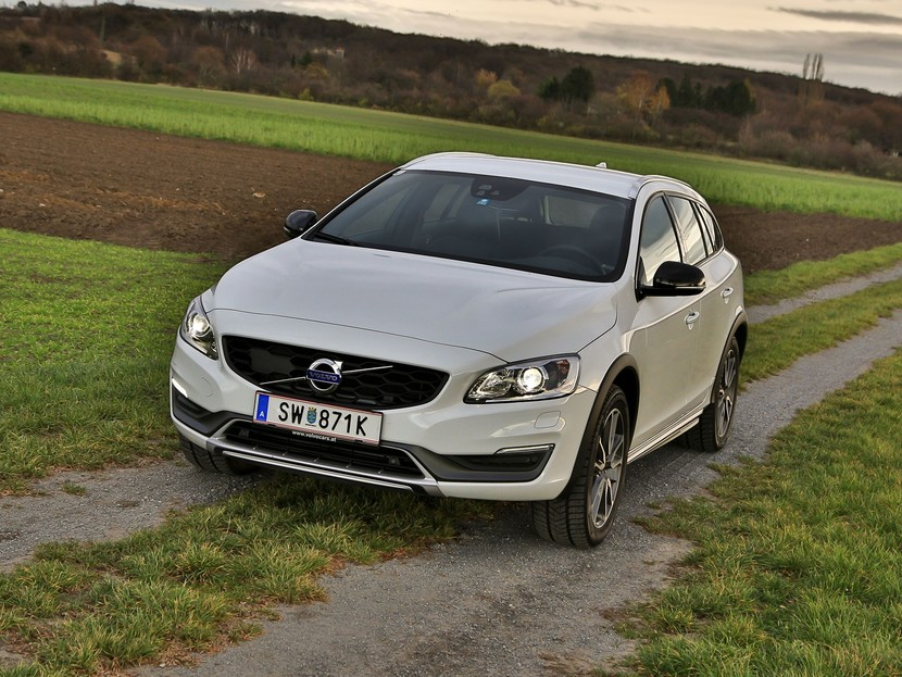 Volvo v60 cross country d4 awd geartronic kinetic testbericht 033