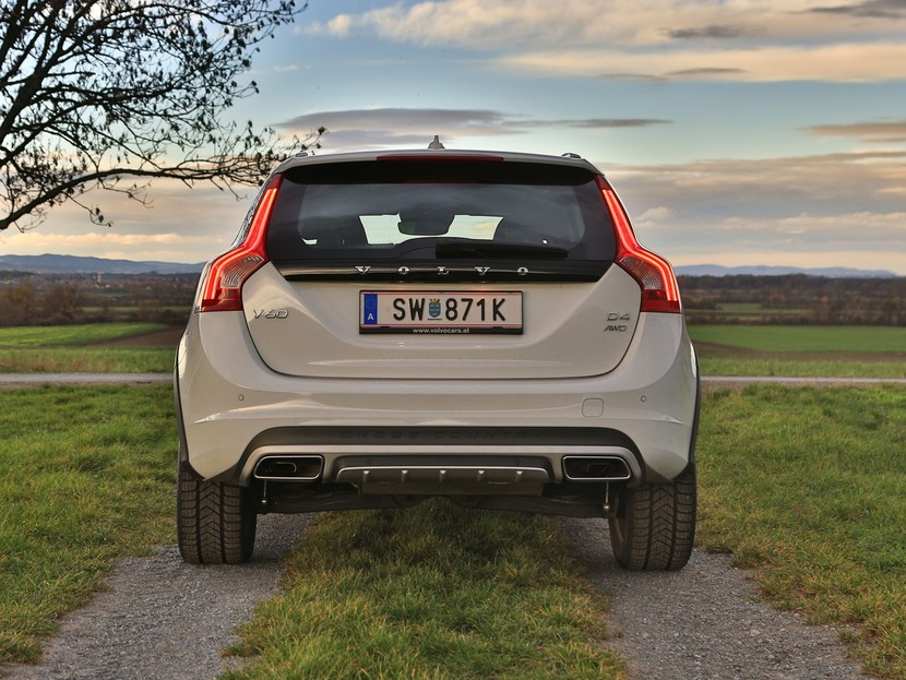 Volvo v60 cross country d4 awd geartronic kinetic testbericht 034