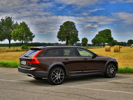 Volvo v90 t5 awd cross country testbericht 009