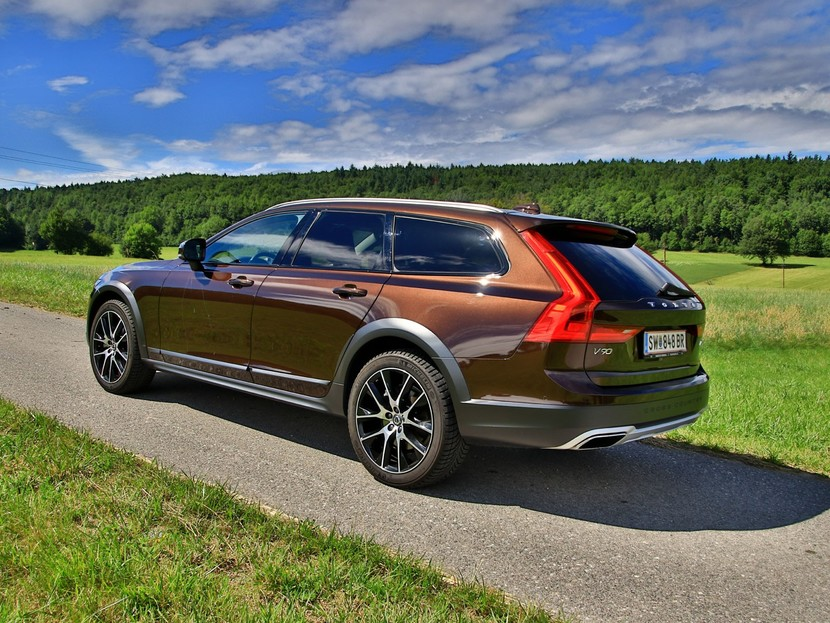 volvo v90 cross country testbericht auto. Black Bedroom Furniture Sets. Home Design Ideas
