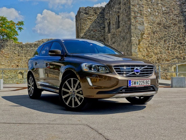 foto volvo xc60 d5 awd geartronic summum testbericht 035. Black Bedroom Furniture Sets. Home Design Ideas