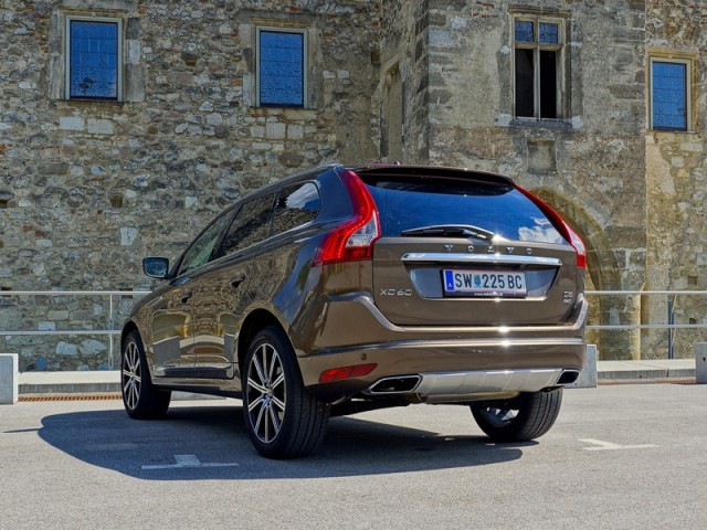 volvo xc60 d5 awd testbericht auto. Black Bedroom Furniture Sets. Home Design Ideas