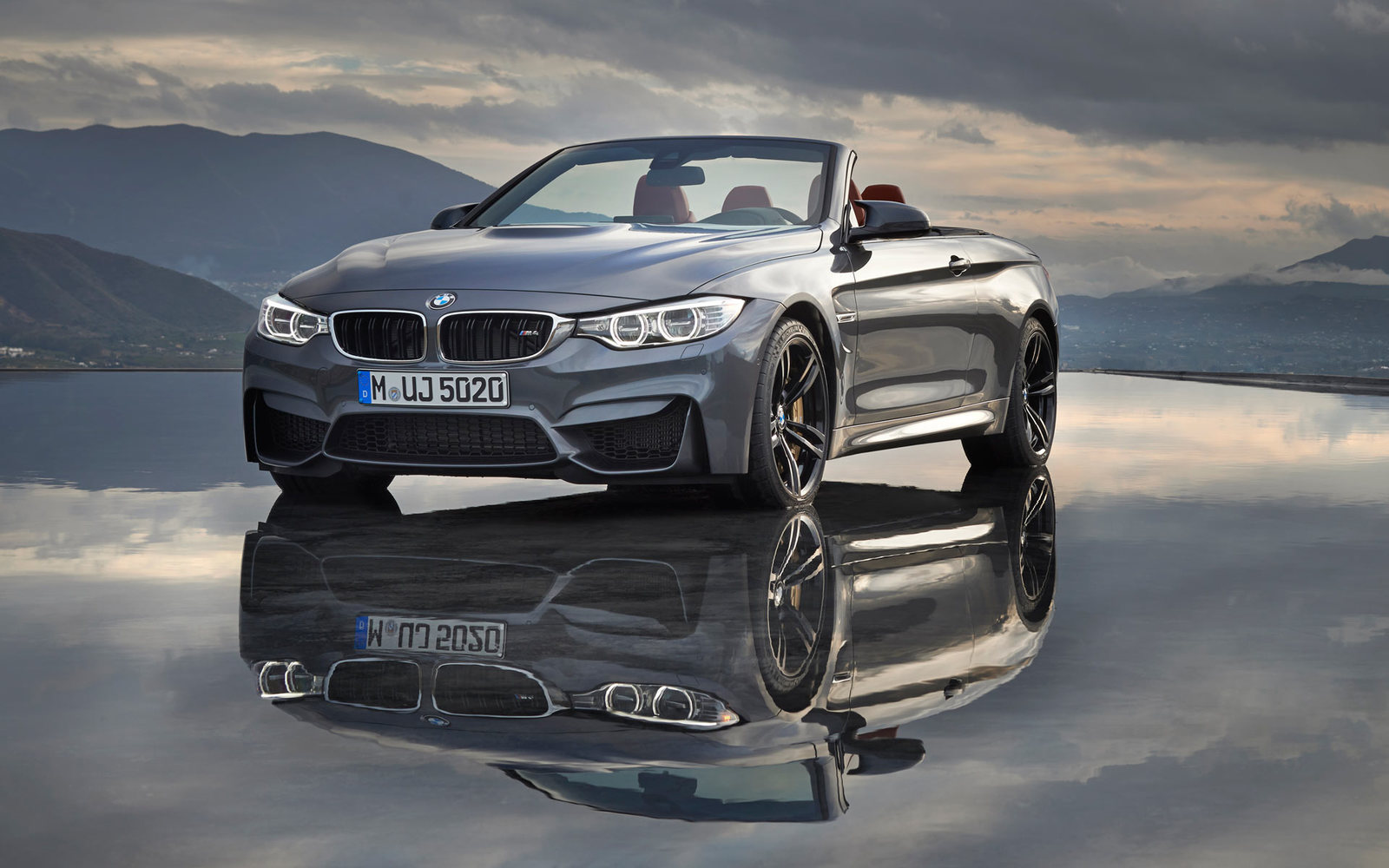 BMW M4 Cabrio Reflections