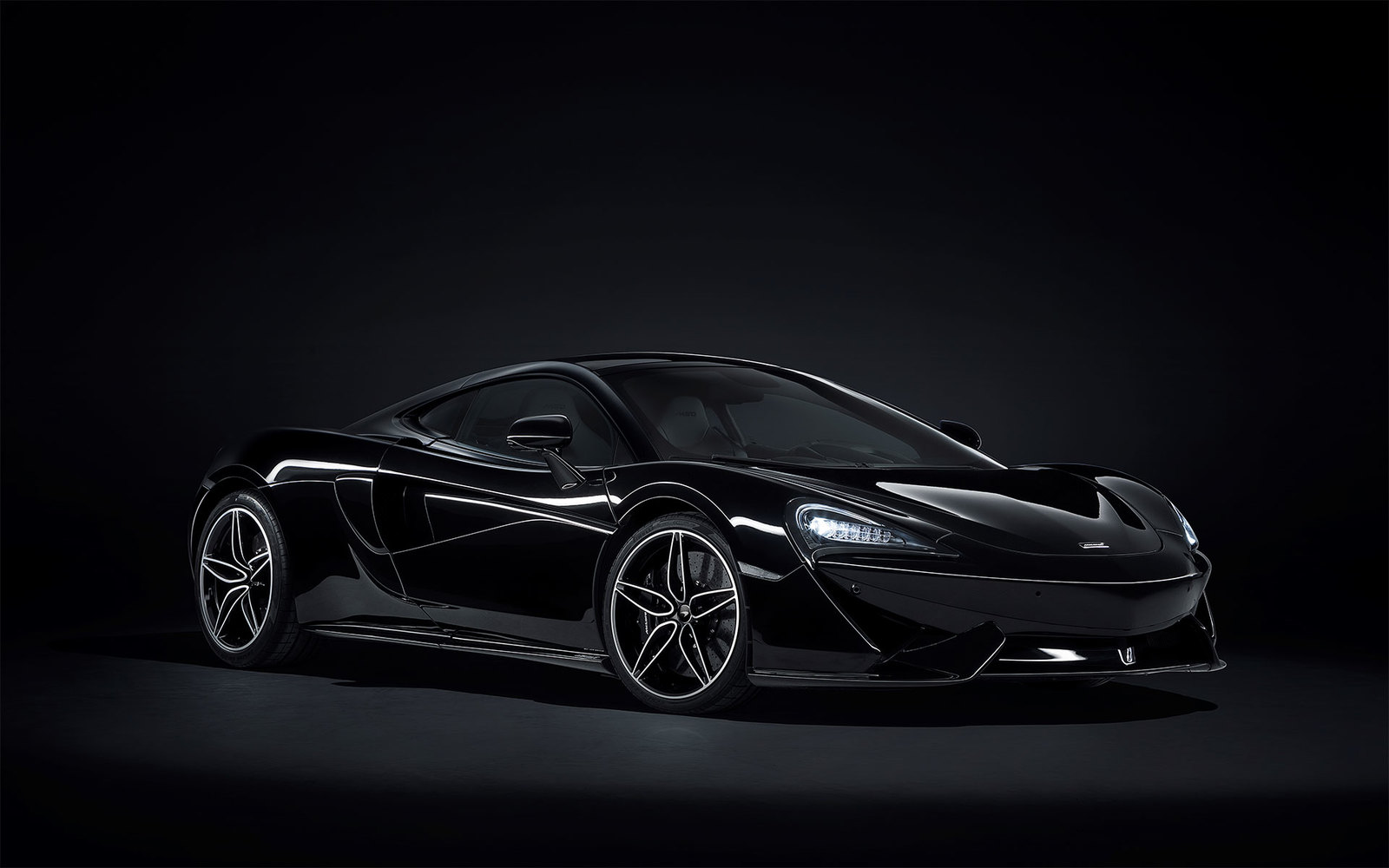 McLaren 570 GT Black Collection 2018