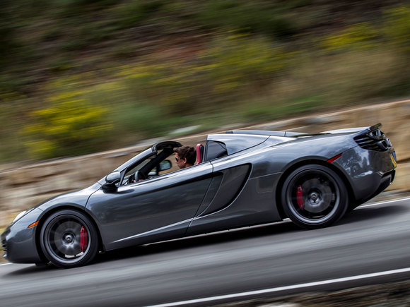 McLaren MP4-12C Spider in Fahrt