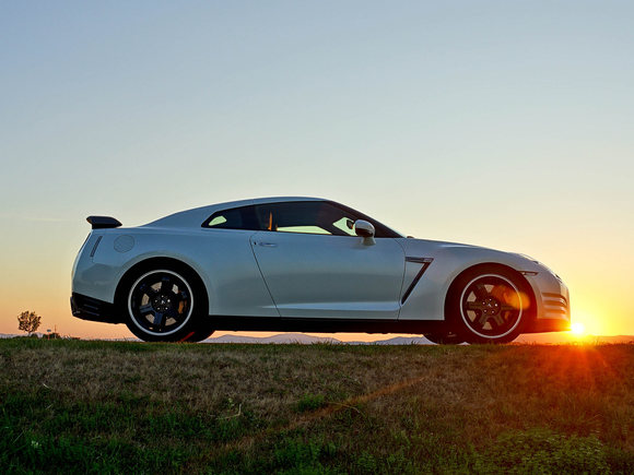 Nissan GT-R Black Edition Test