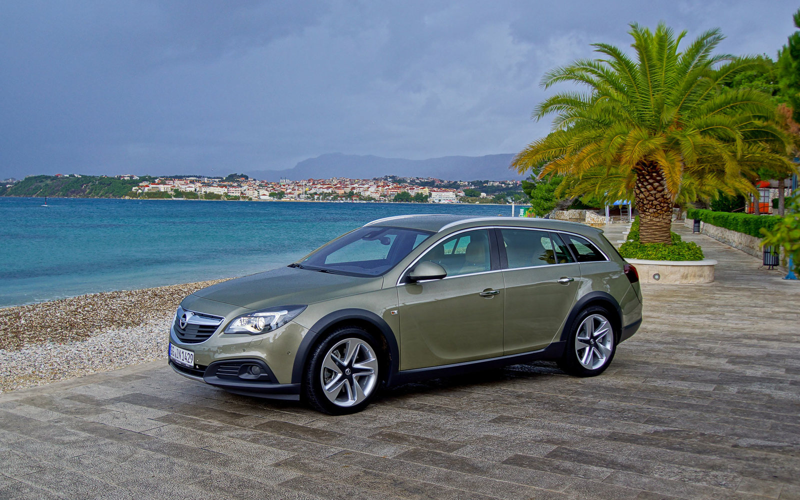 Neu: Opel Insignia Country Tourer