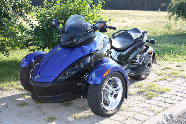 can am spyder roadster fahrbericht auto. Black Bedroom Furniture Sets. Home Design Ideas