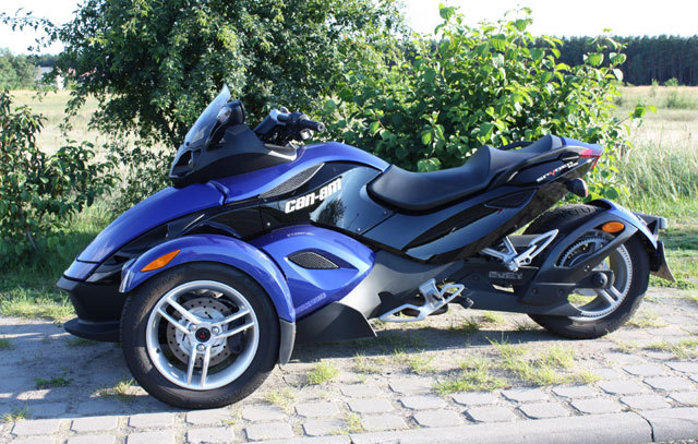 bf00008552045d CAN-AM Spyder Roadster - Fahrbericht ::: auto-motor.at :::