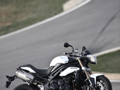 Triumph speed triple 1050 13
