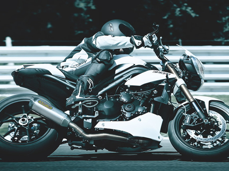 Triumph speed triple 1050 17