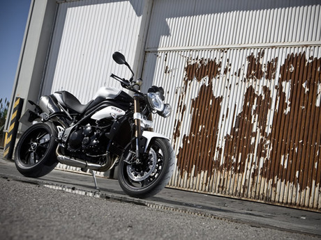 Triumph speed triple 1050 20