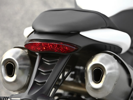 Triumph speed triple 1050 24