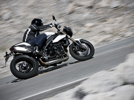 Triumph speed triple 1050 30