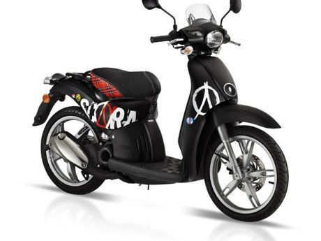 aprilia scooter werden zu scarabeo auto. Black Bedroom Furniture Sets. Home Design Ideas