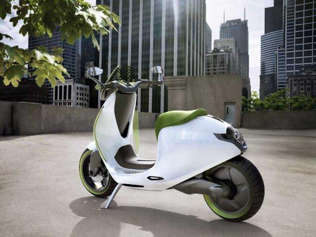 smart escooter: Studie eines Elektro-Roller wird von smart in Paris ...