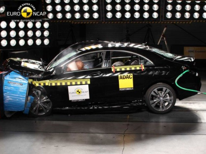 Mercedes CLA Crashtest