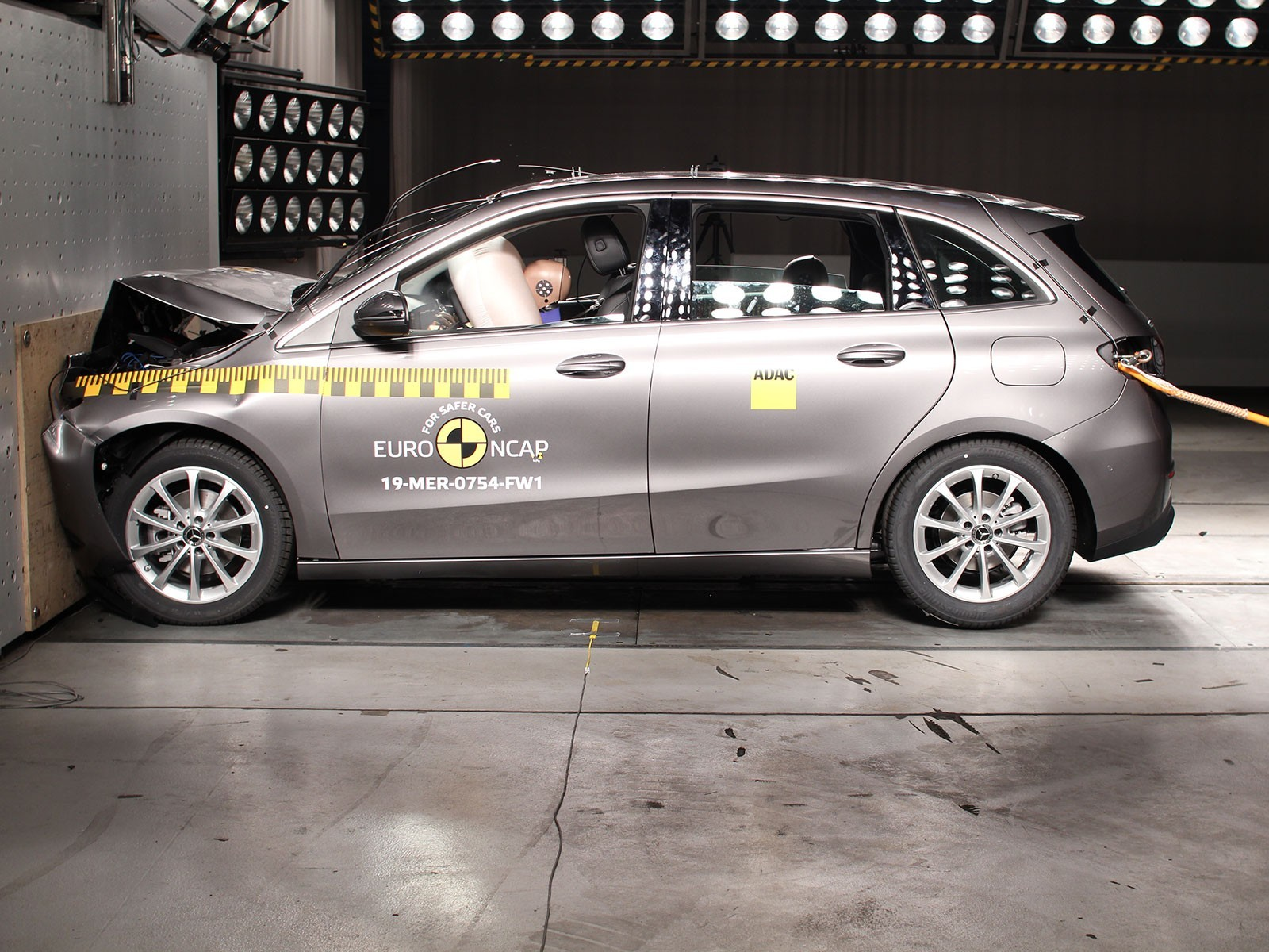 Oeamtc crashtest sechs autos safety pack bringt sicherheits plus 001
