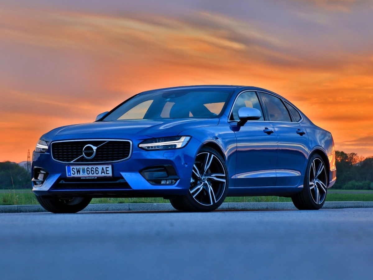 Testbericht: Volvo S90 D5 AWD Geartronic R-Design